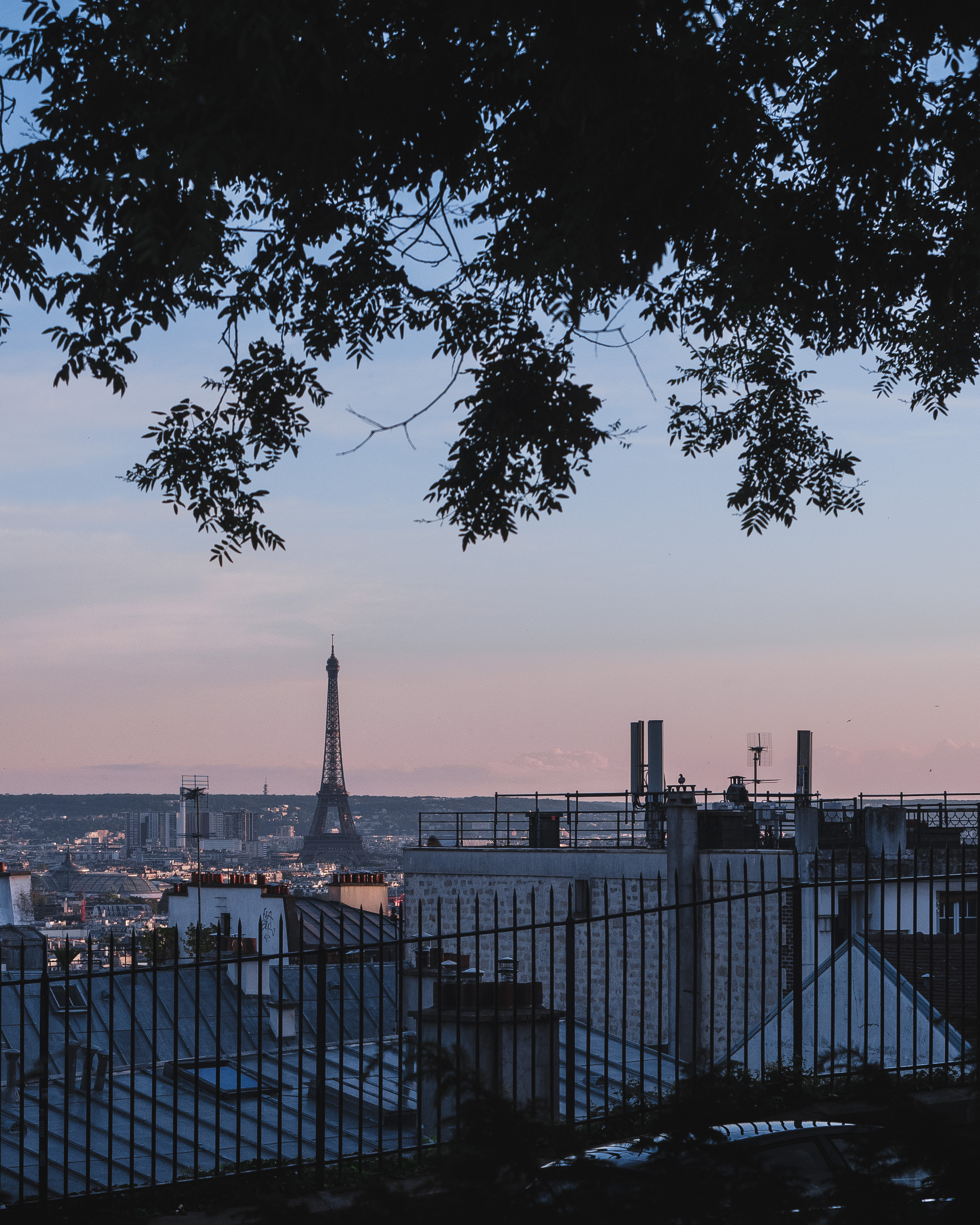 wieża Eiffla Montmartre Paryż