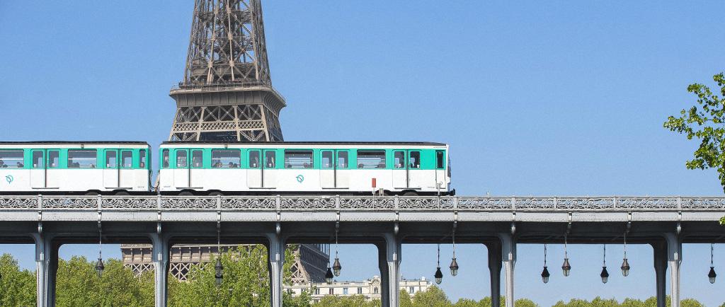 metro w paryzu francja