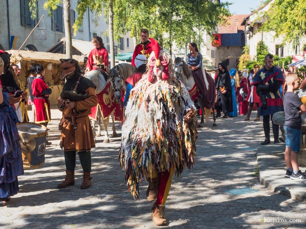 Muzycy na Festiwalu Średniowiecznym we Francji