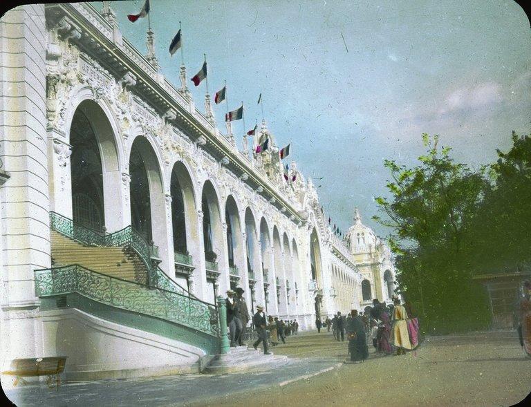 Pałac Ubiorów, Wystawa Paryska w 1900 roku ;