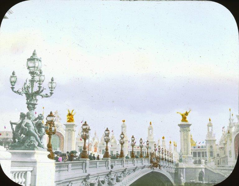Most Aleksandra III , Paryska ekspozycja w 1900 roku ;(Paris Exposition: Pont Alexandre III, Paris, France, 1900)