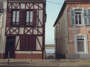 Dwa oblicza wakacji we Francji